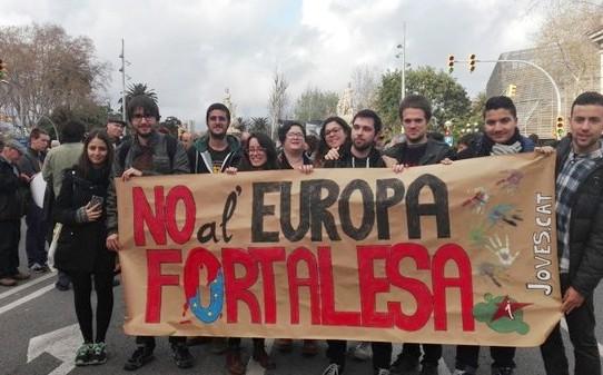 """JEV participa a la manifestació """"Prou Racisme"""" i clama en favor de les persones refugiades"""